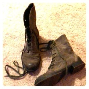 Nine West suede lace up booties, sz 6